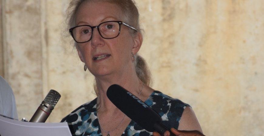 Embaixadora britânica Jessica Hand