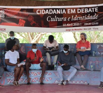 Questão: Identidade Angolana